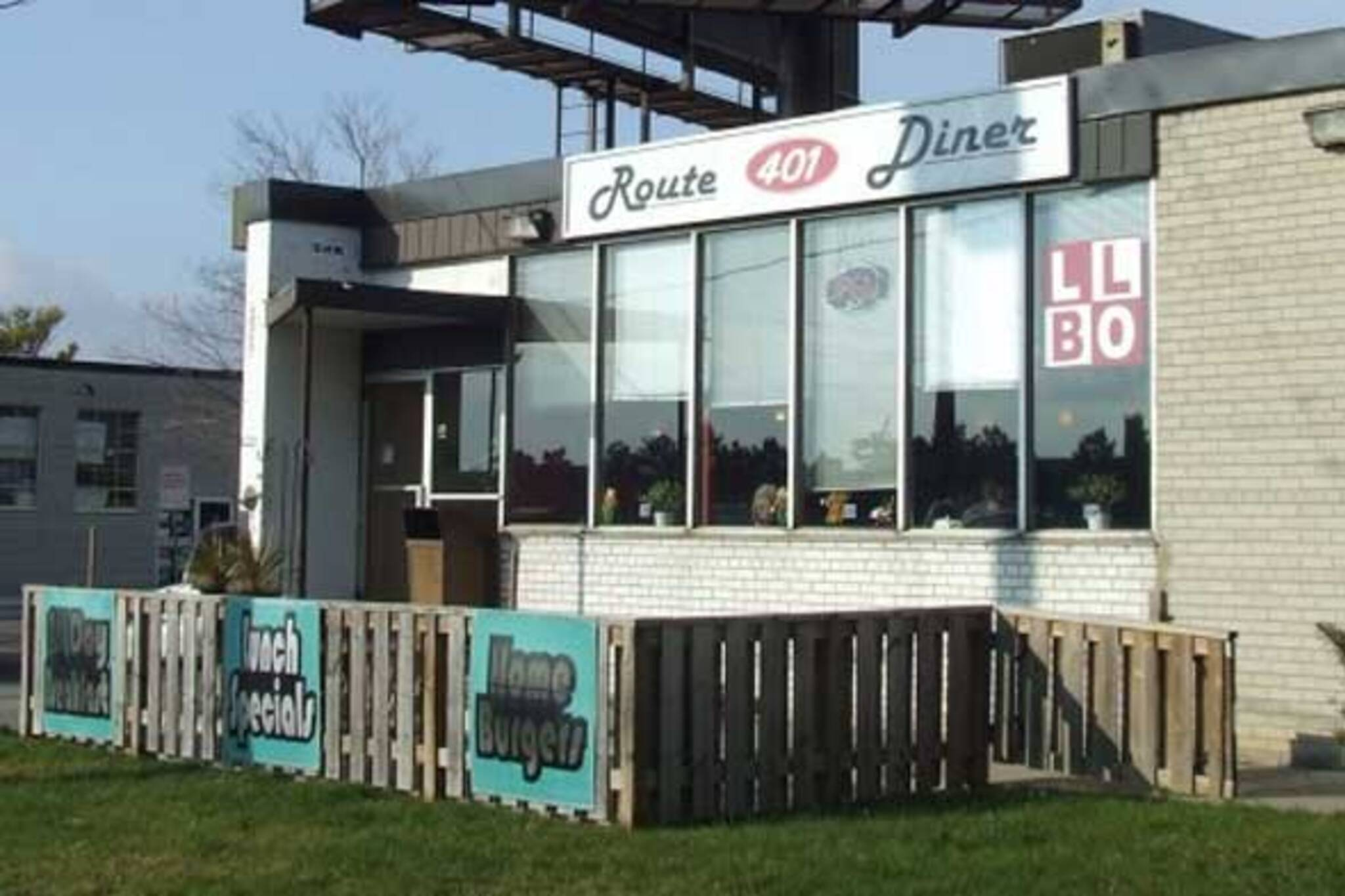 Route 401 Diner Toronto