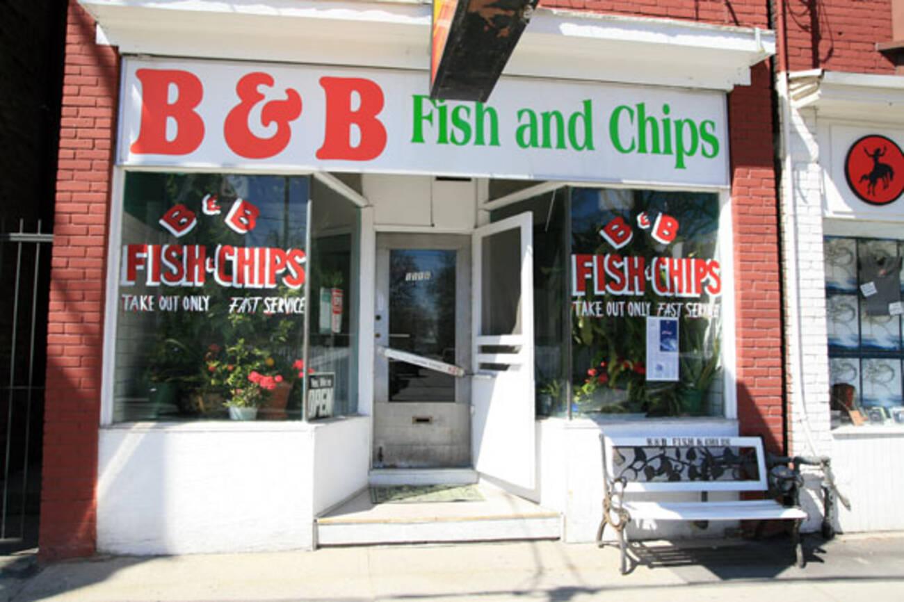 B b fish chips blogto toronto for Fish chips restaurant