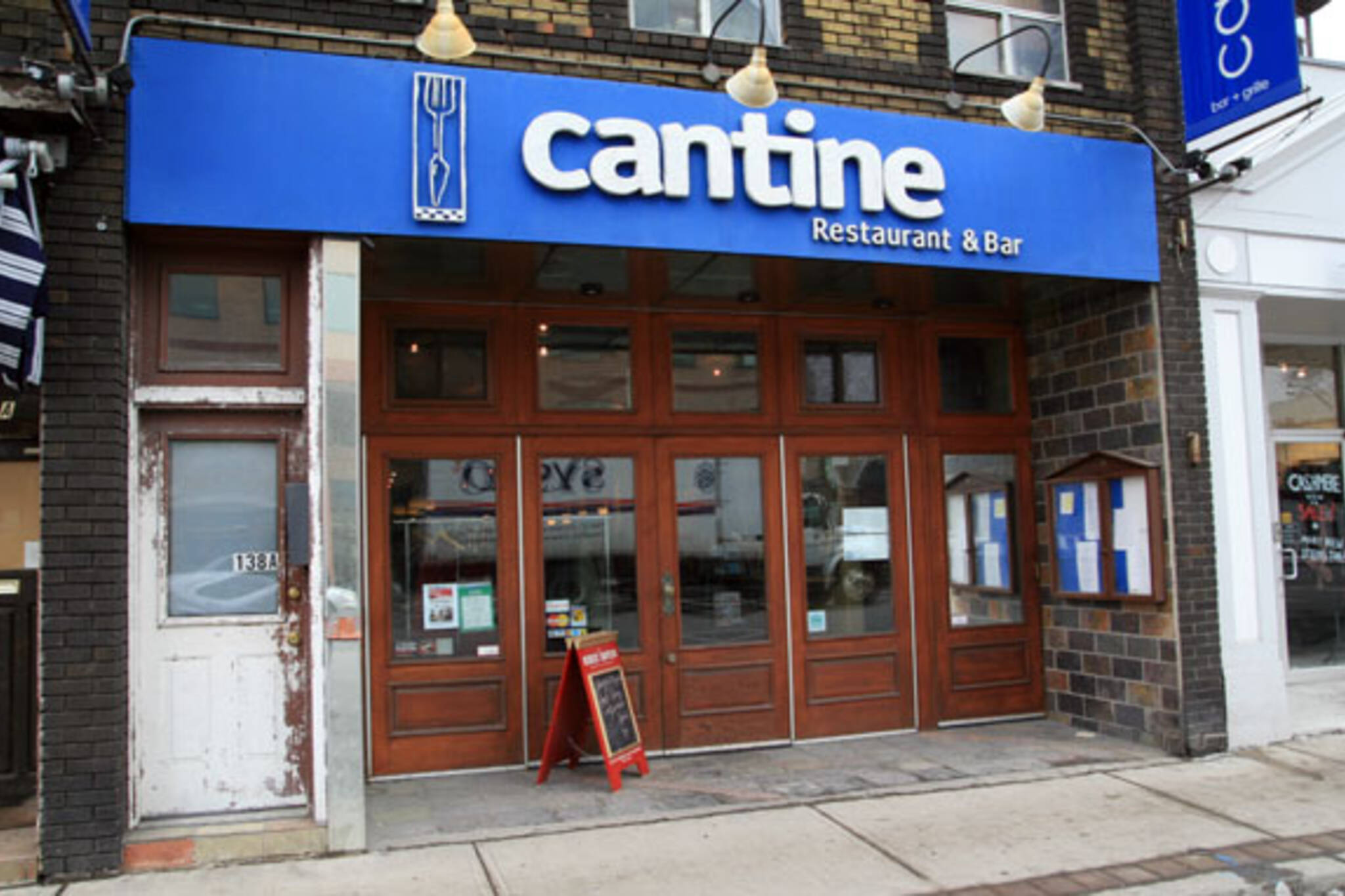 Cantine Bar & Grill