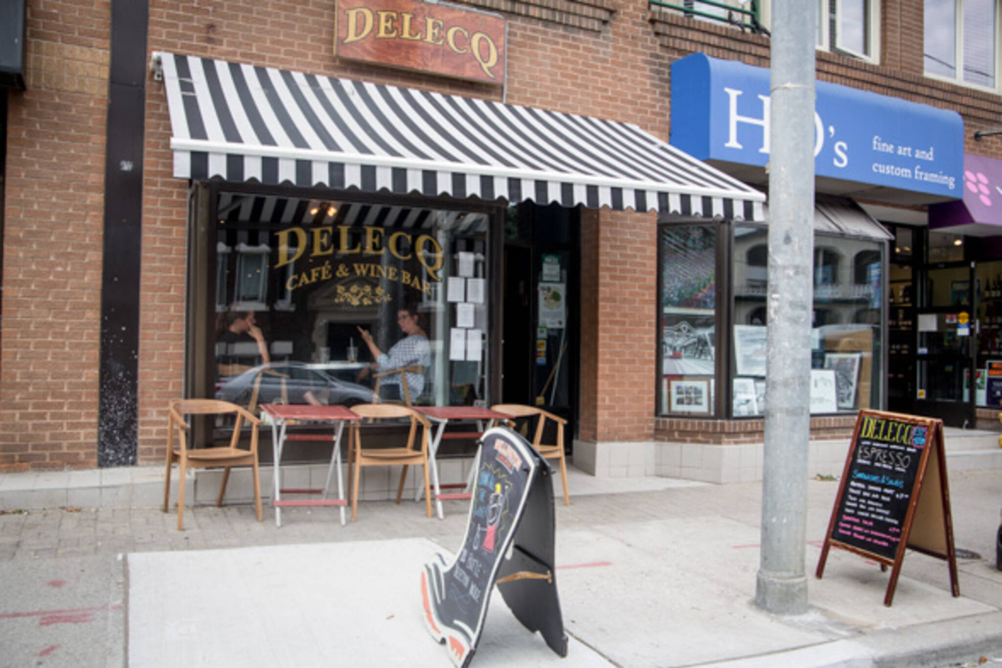 delecq cafe and wine bar toronto