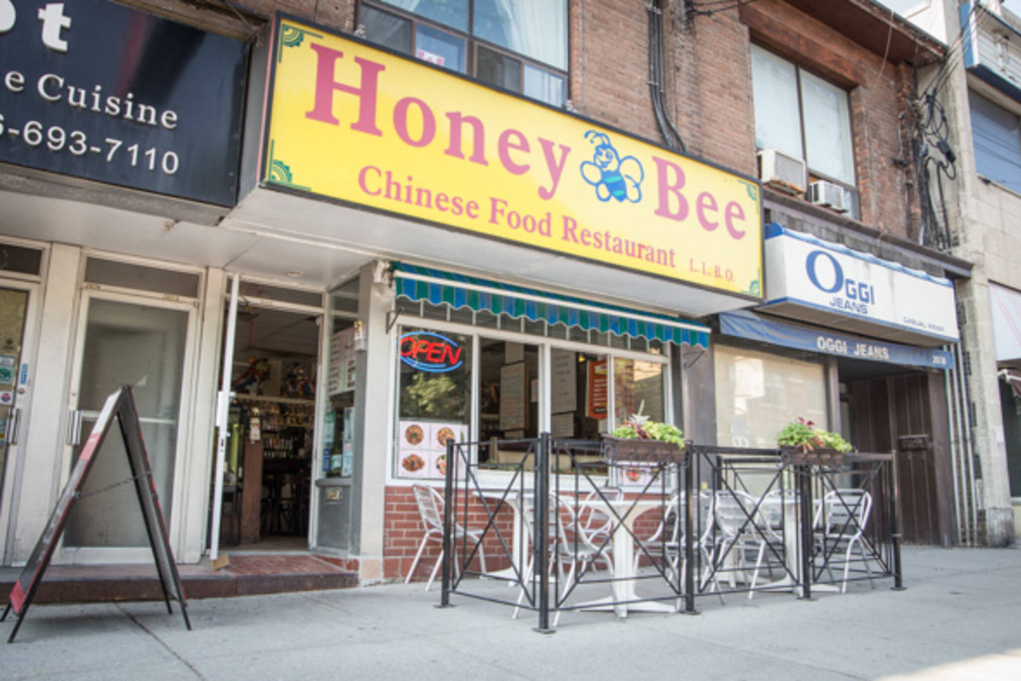 honey bee restaurant toronto