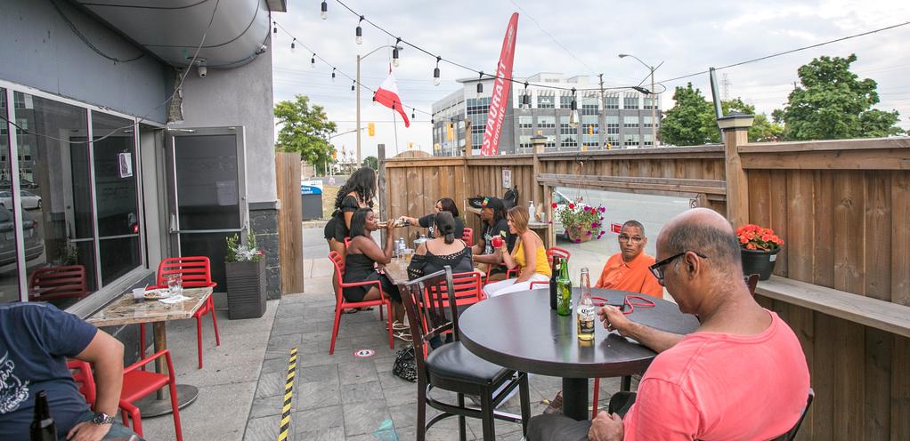 Spade Bar & Lounge