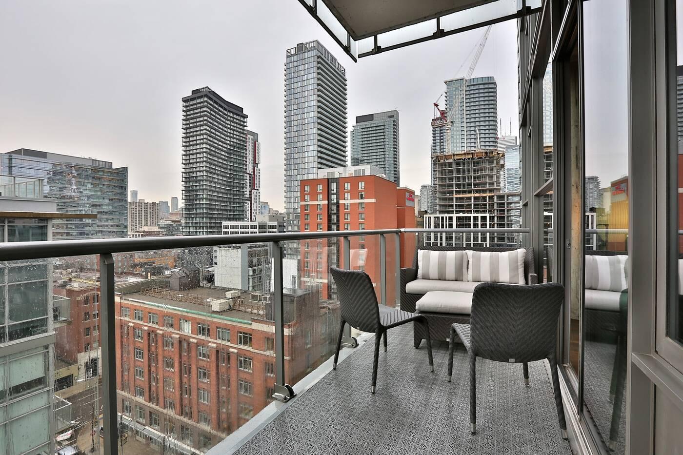 25 Oxley Street Toronto
