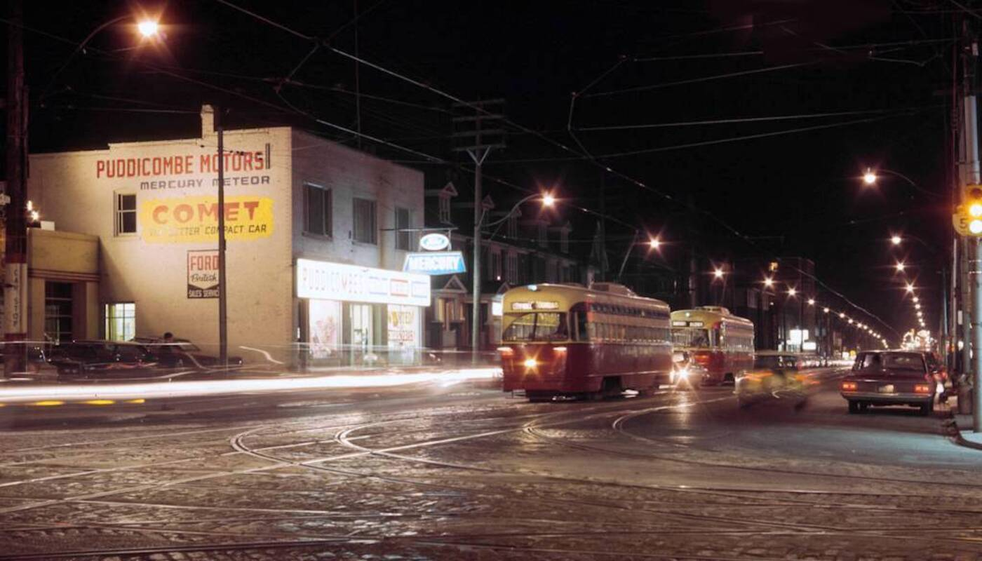 Dazzling Colour Photographs Of 1950s And 60s Toronto At Night