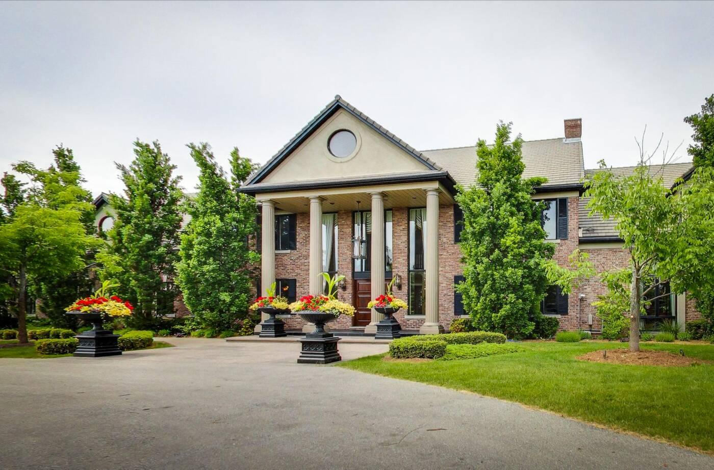 grimbsy mansion