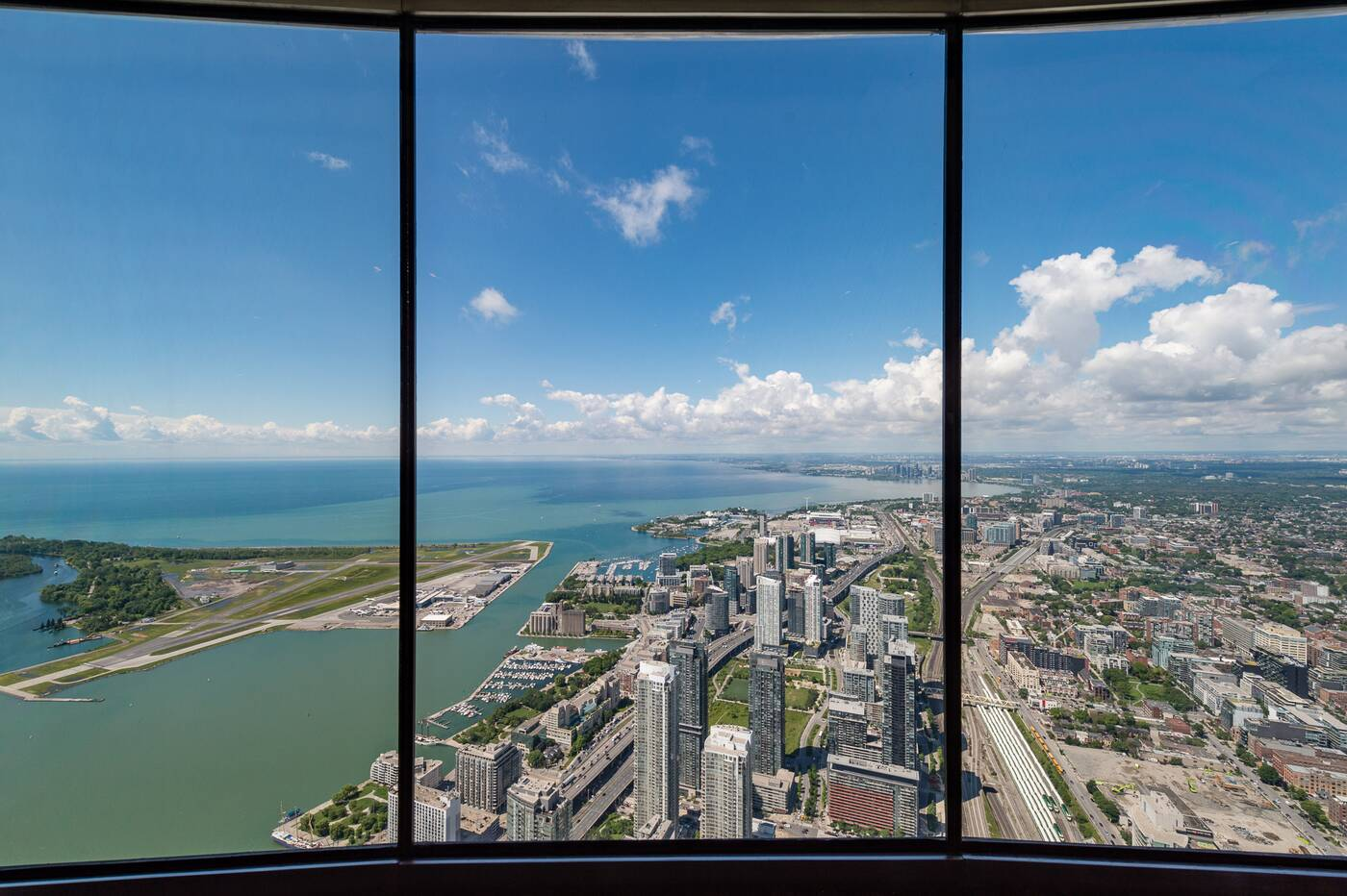 cn tower lookout
