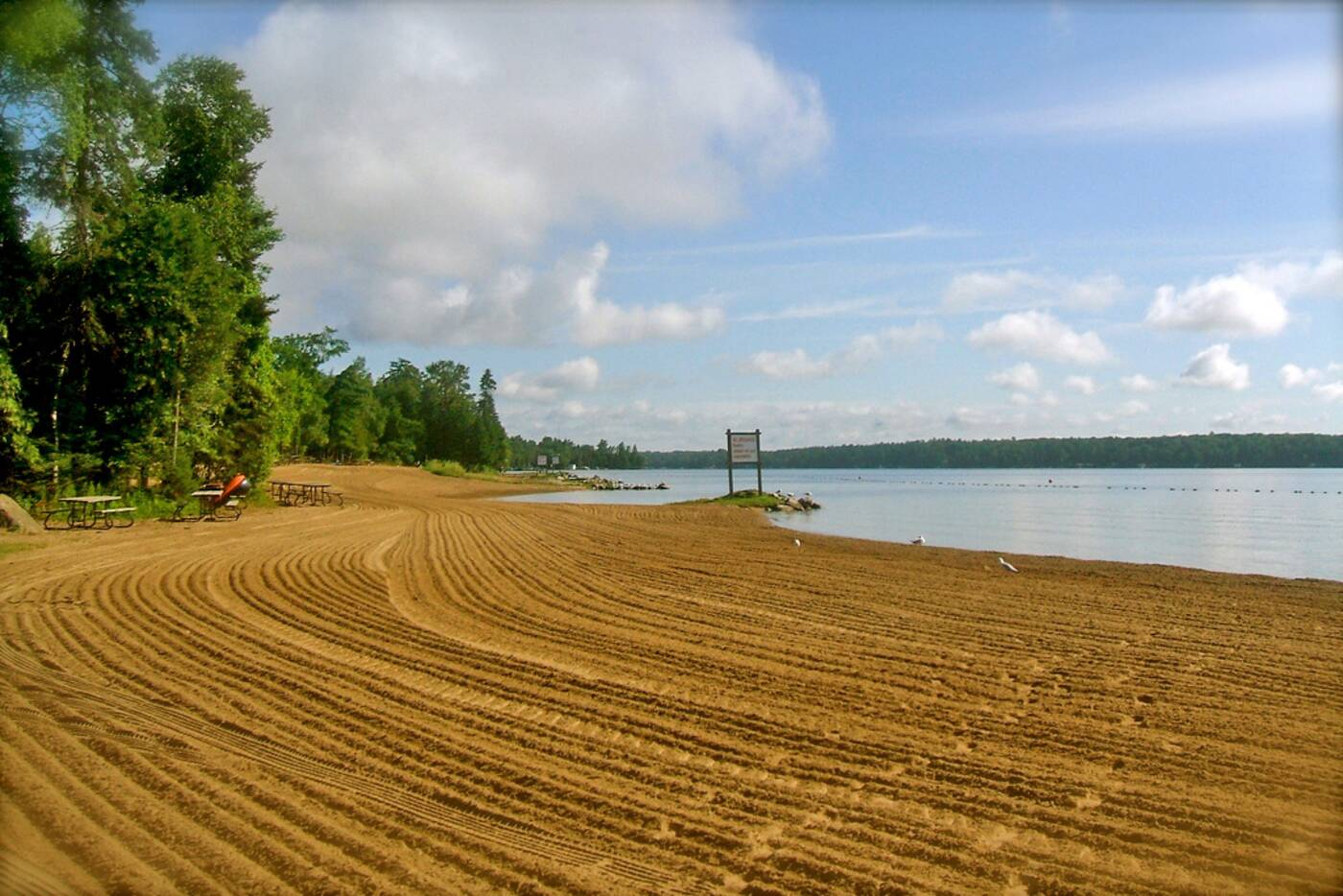 Willow Beach Ontario >> The Top 25 Beaches In And Near Toronto
