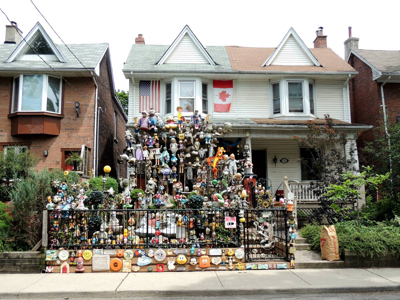 doll house toronto