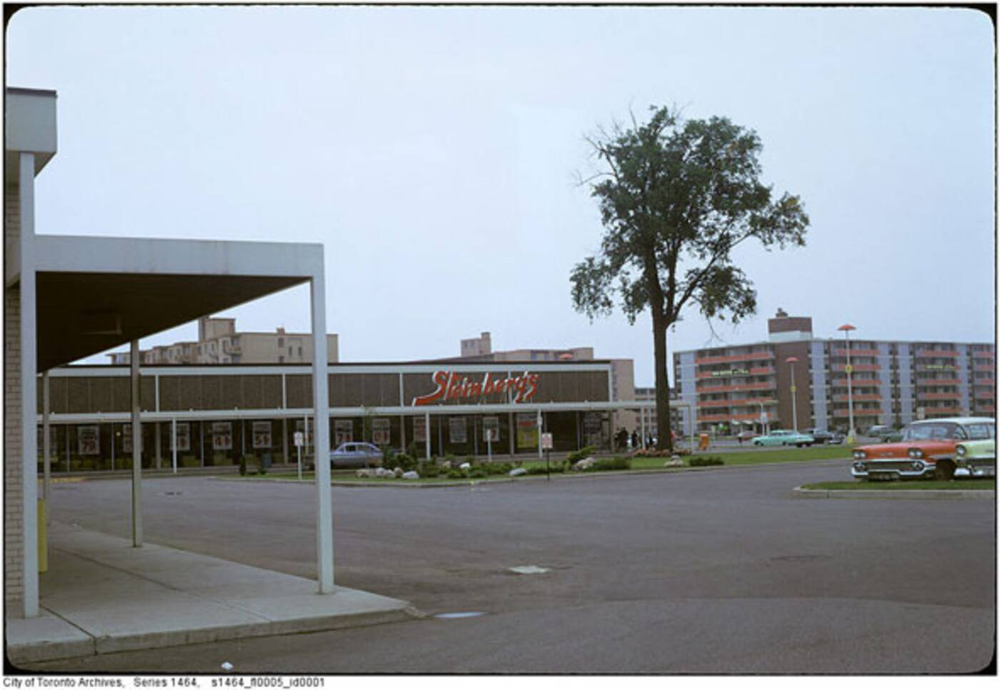 thorncliffe plaza