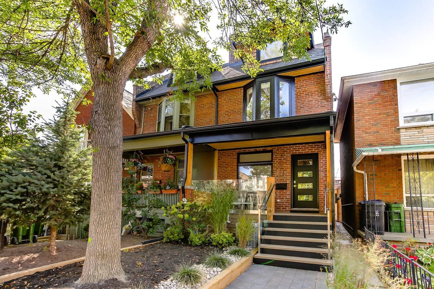 226 Lippincott Street Toronto