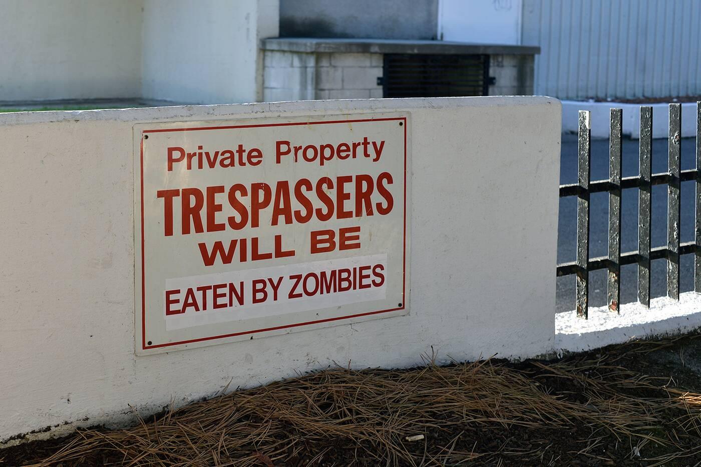 trespass sign toronto