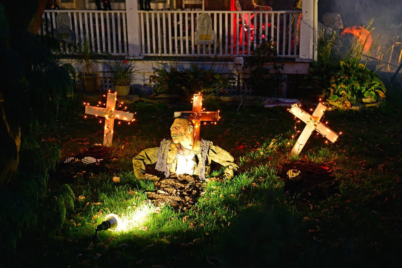 halloween house toronto