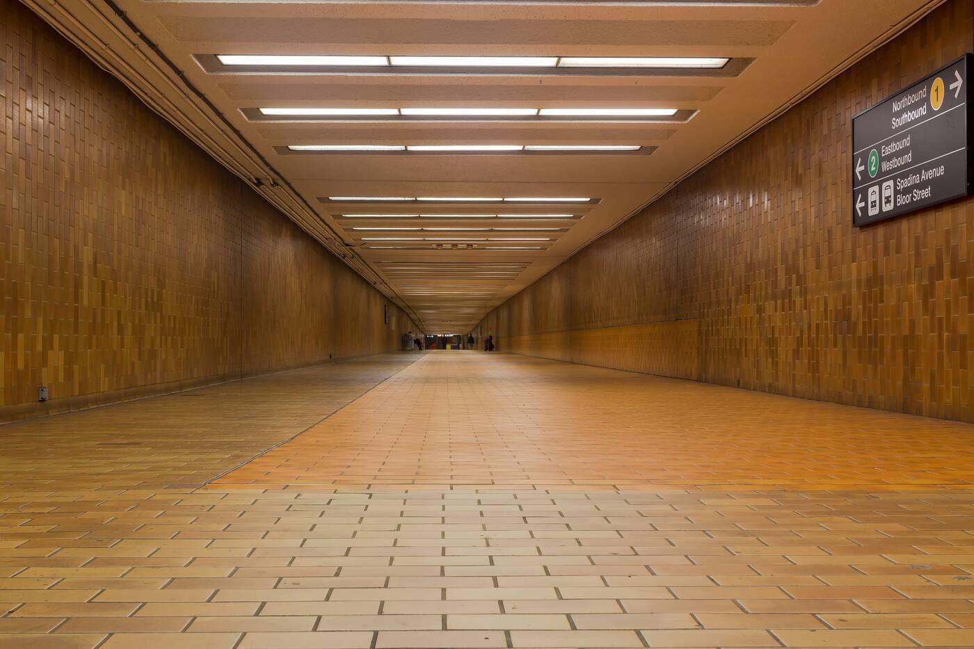 spadina station walkway
