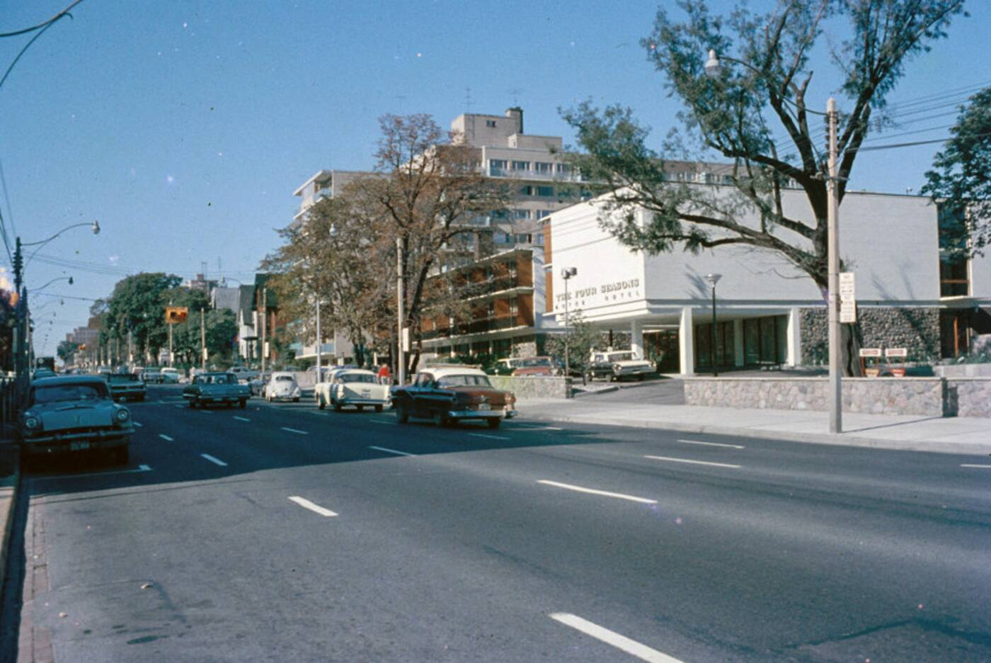 four seasons motor hotel