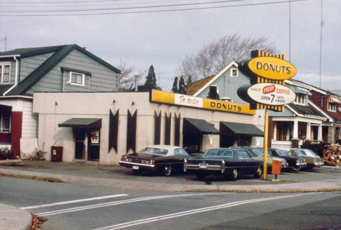 tim hortons first store