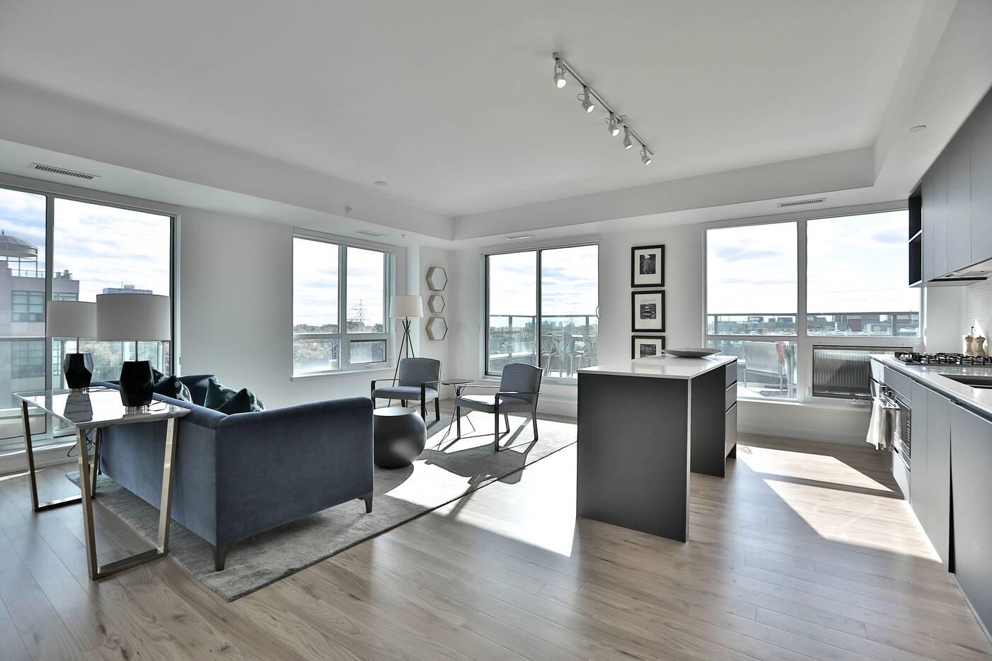 377 Madision Avenue Toronto