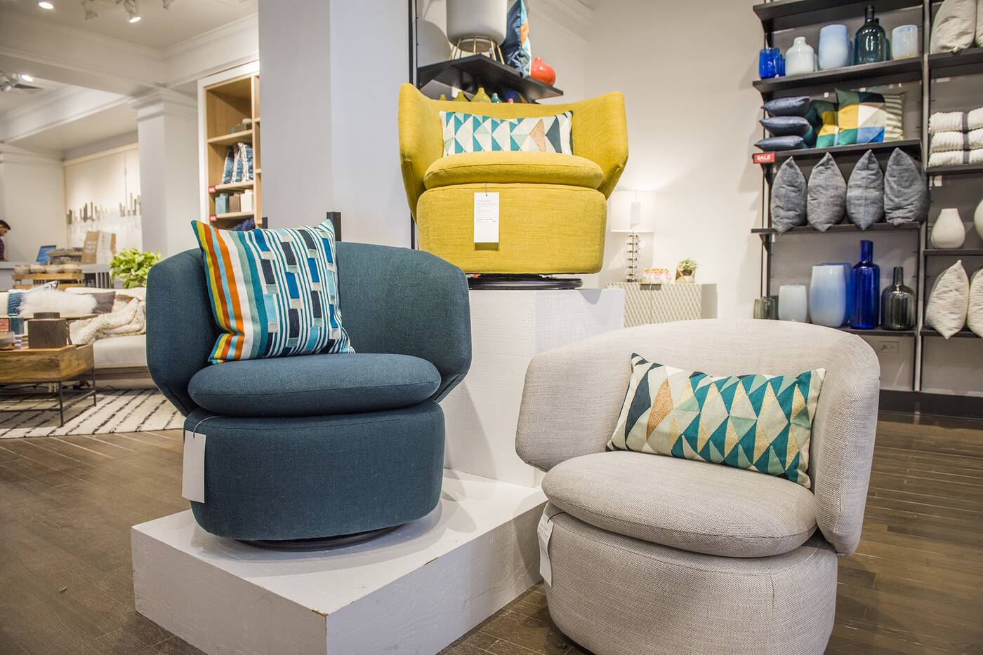 west elm toronto midtown blogto toronto. Black Bedroom Furniture Sets. Home Design Ideas