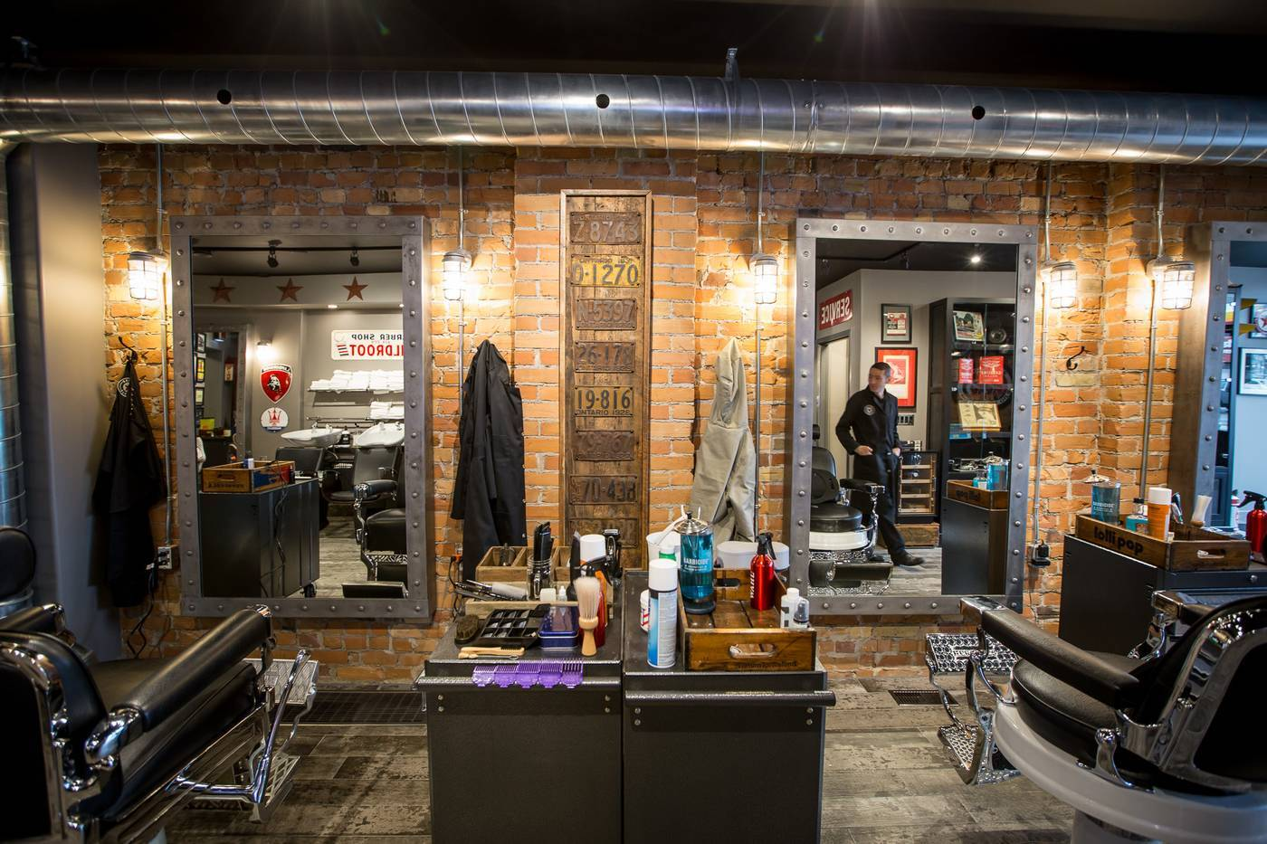 the top 26 barber shops in toronto by neighbourhood. Black Bedroom Furniture Sets. Home Design Ideas