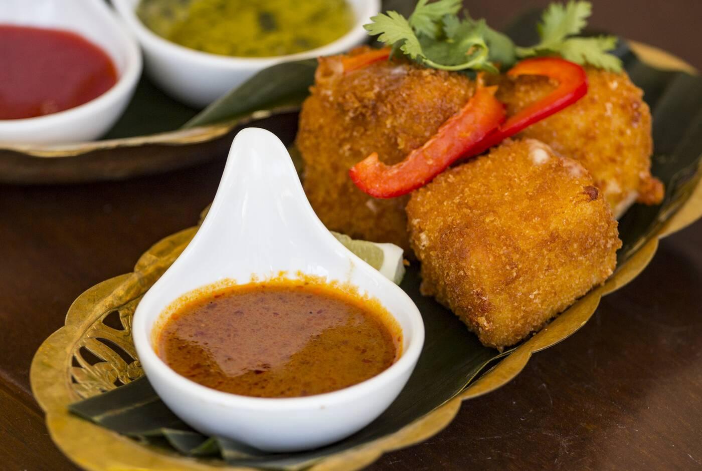 dee thai toronto