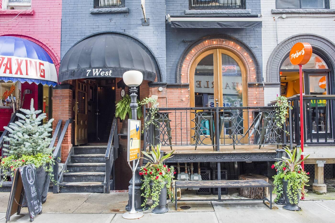 7 West Toronto