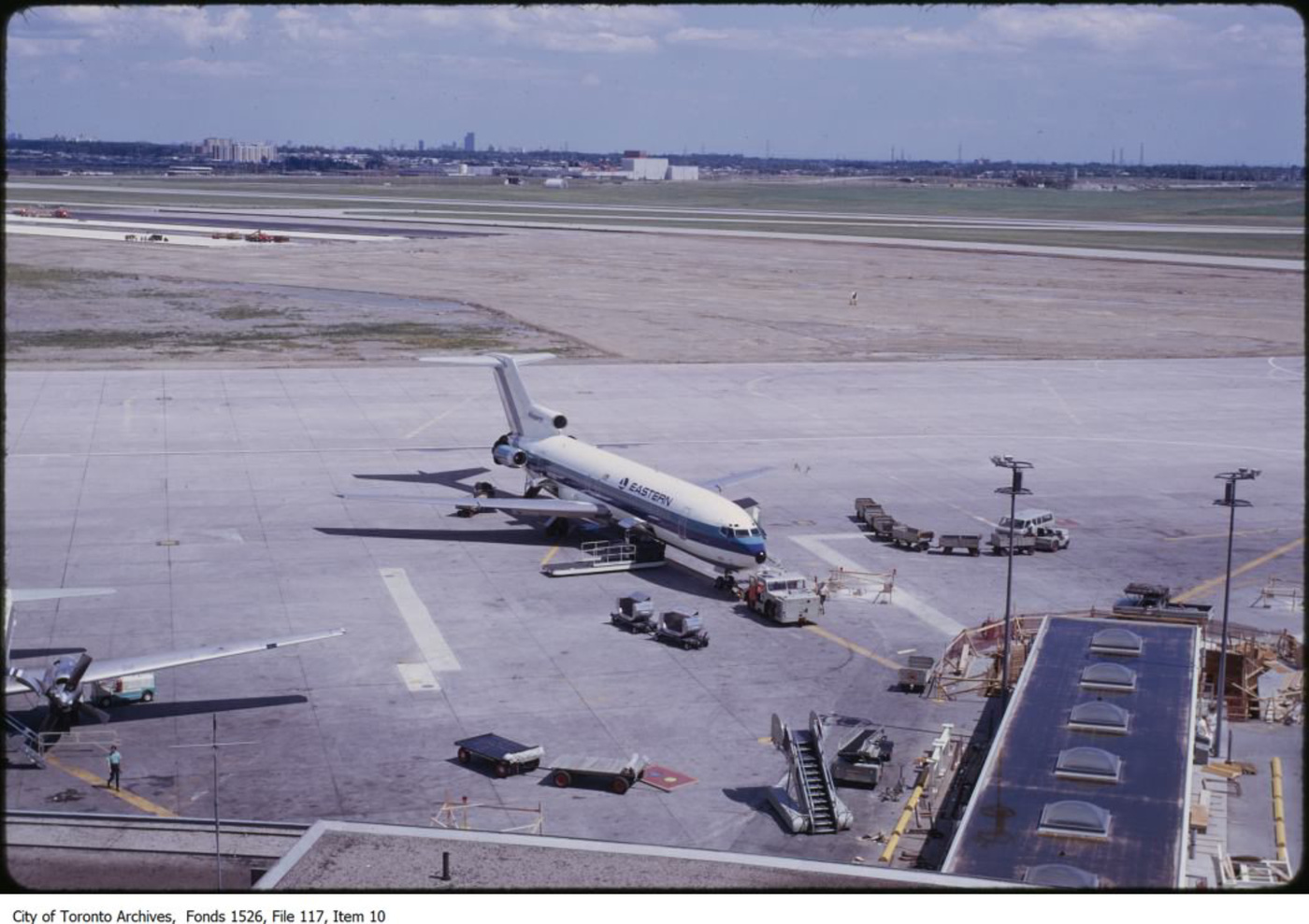 terminal 2 toronto airport