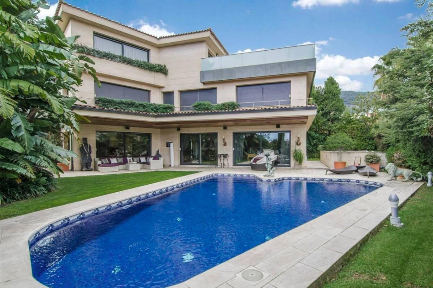 10 million house barcelona