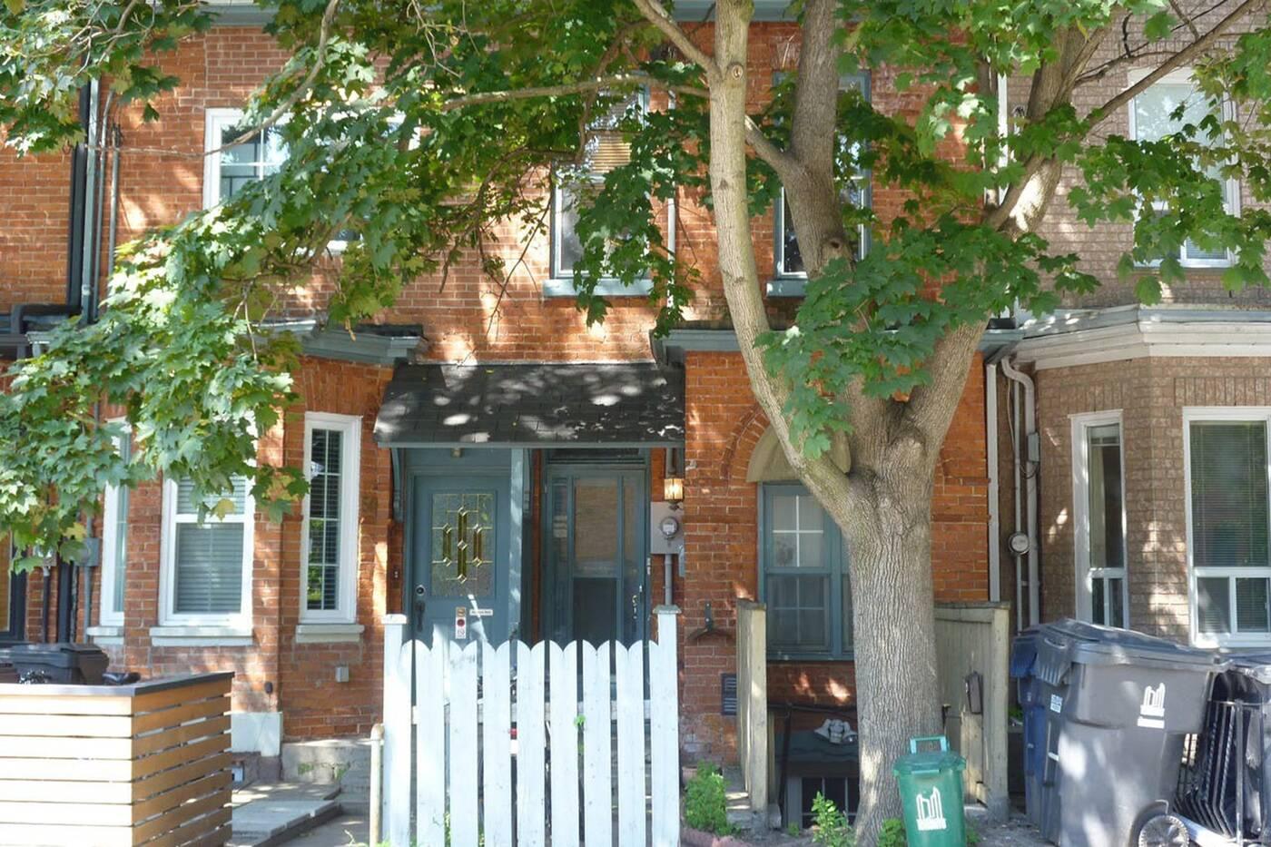 866 Dundas Street West Toronto