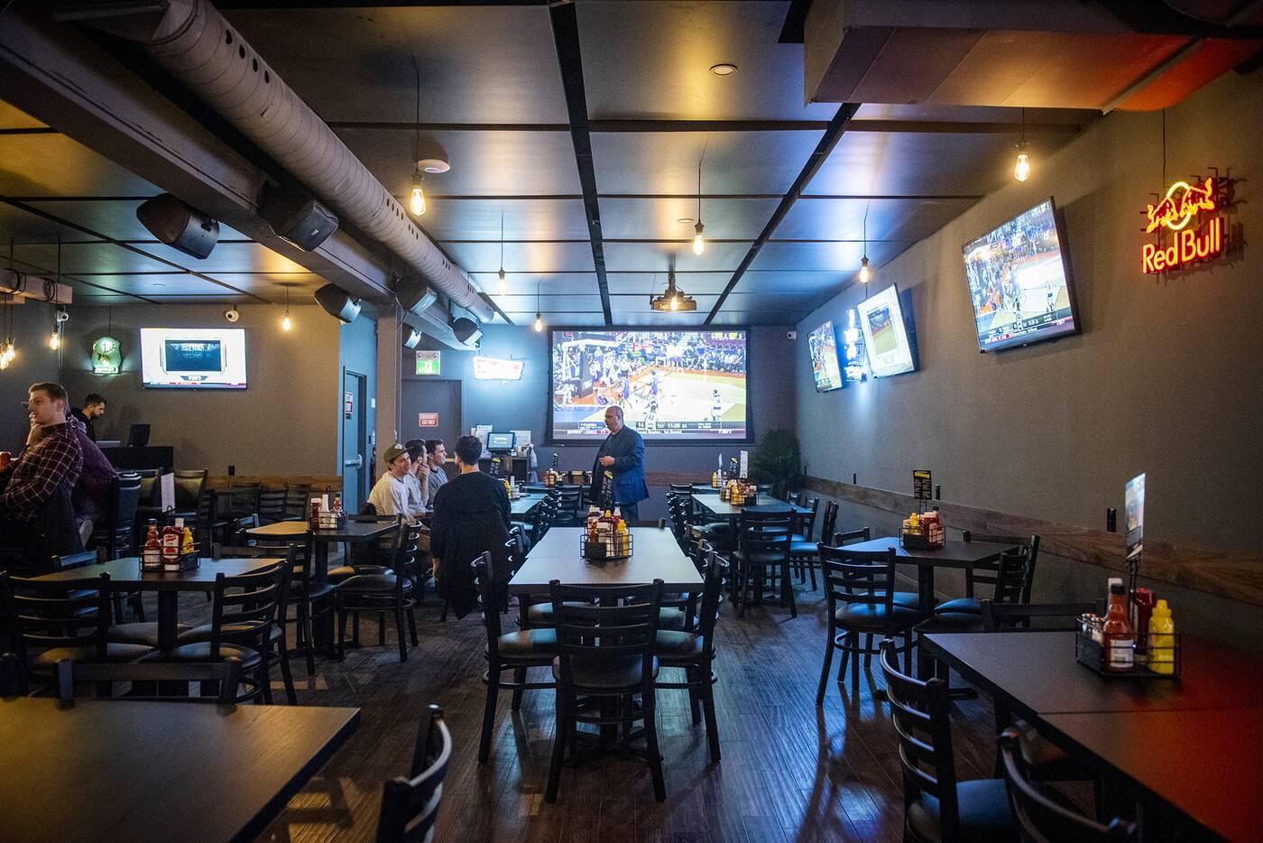 817 Sports Bar Toronto