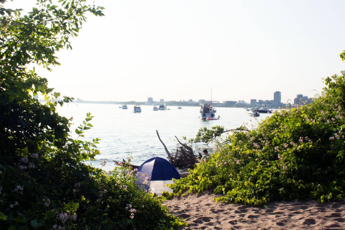 hanlans beach