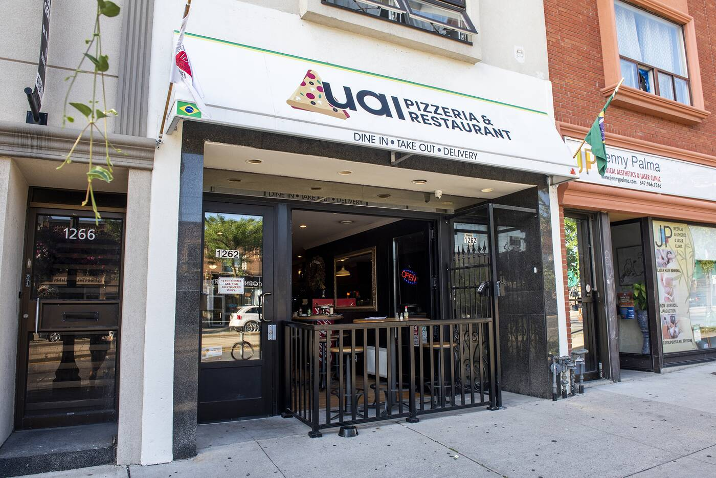 Uai Pizzeria Toronto