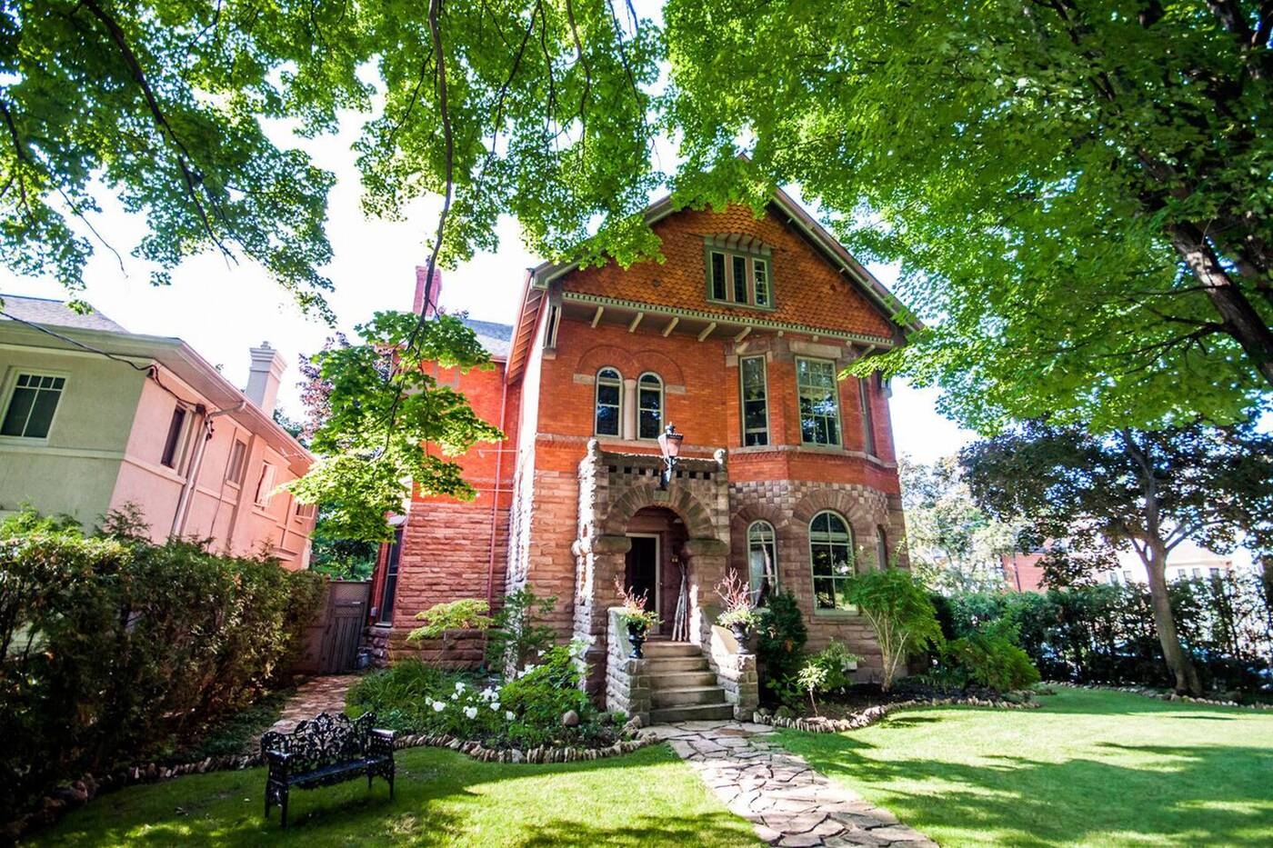 airbnb lytton park