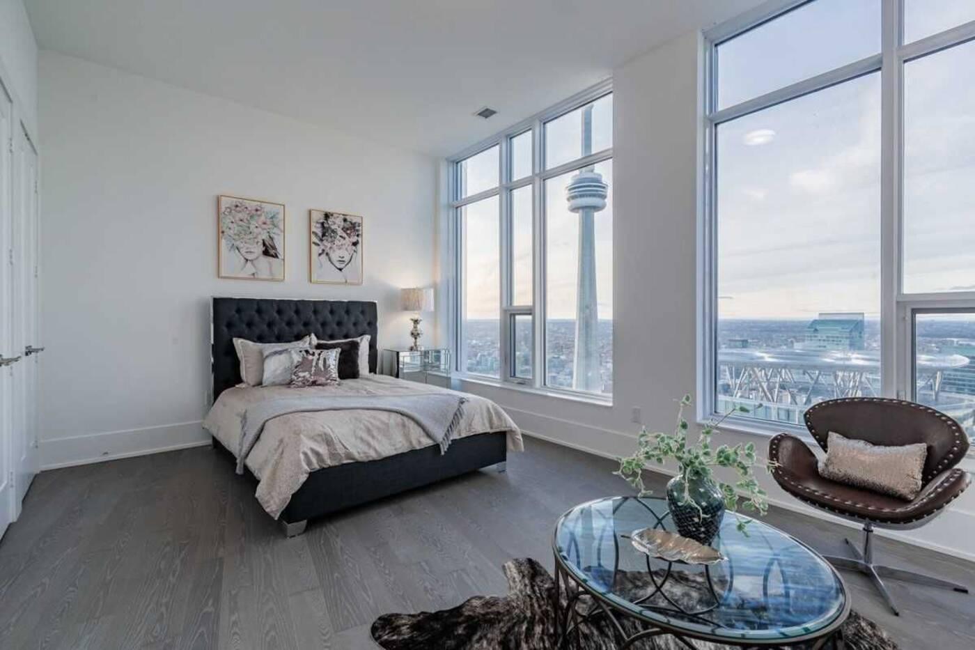 10 York Street Toronto