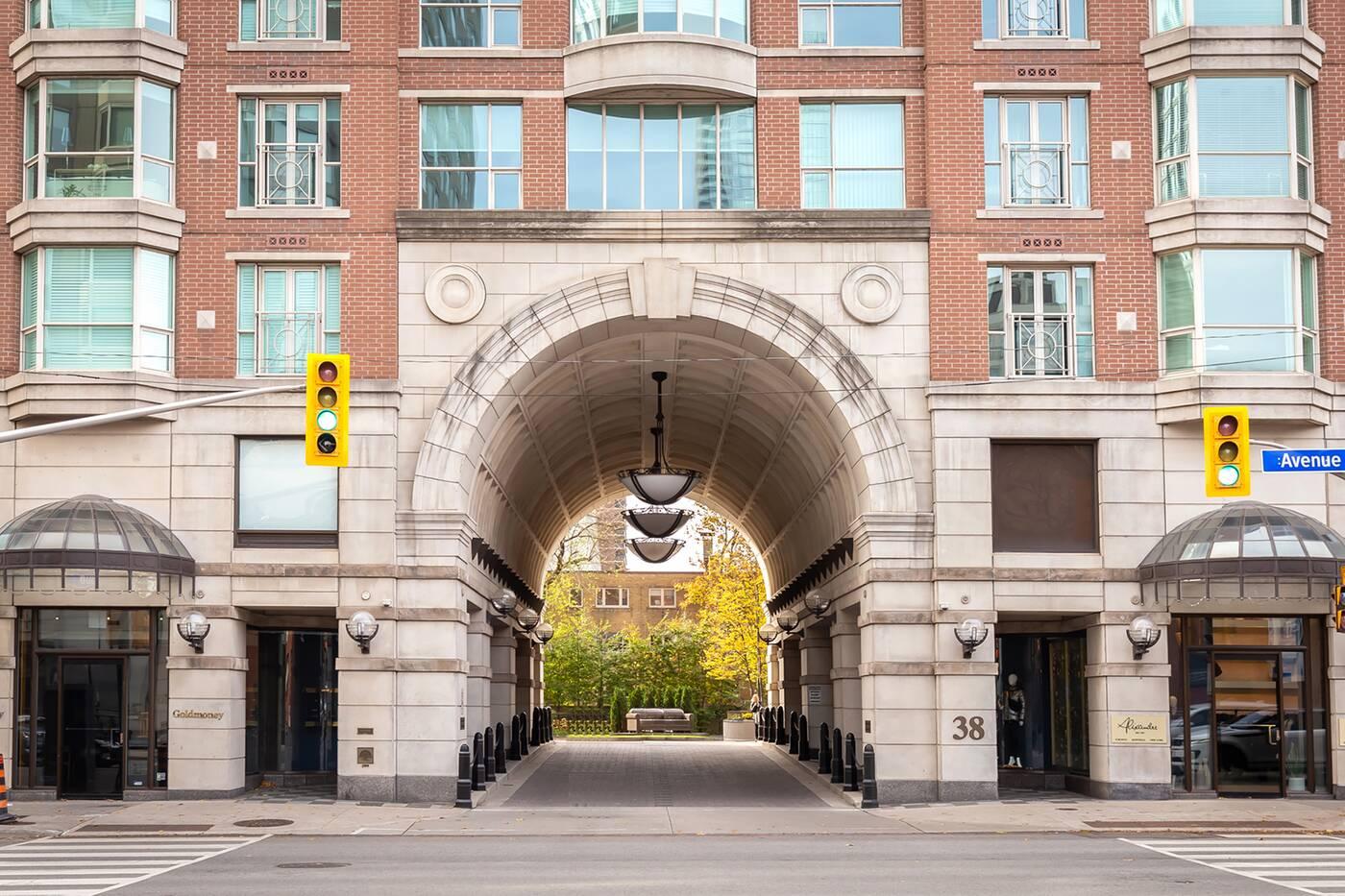 38 avenue road Toronto