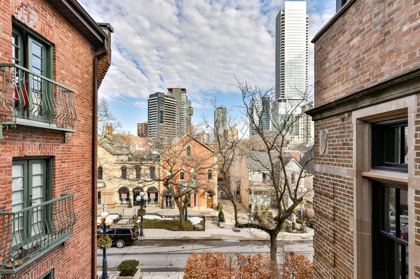36 Hazelton Ave Toronto