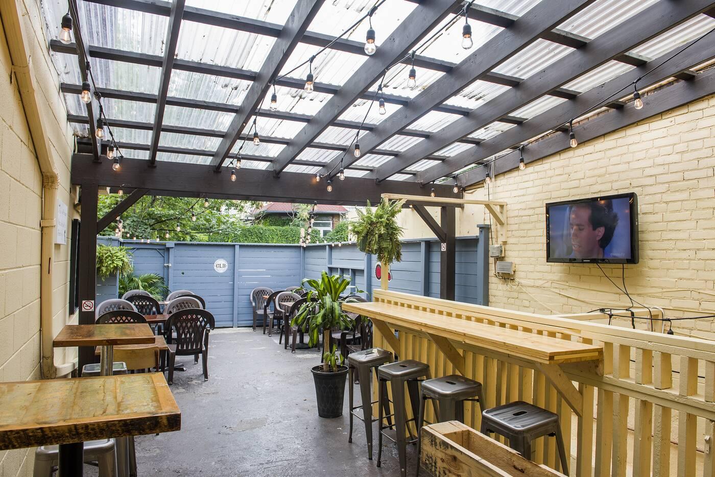 patios toronto rain