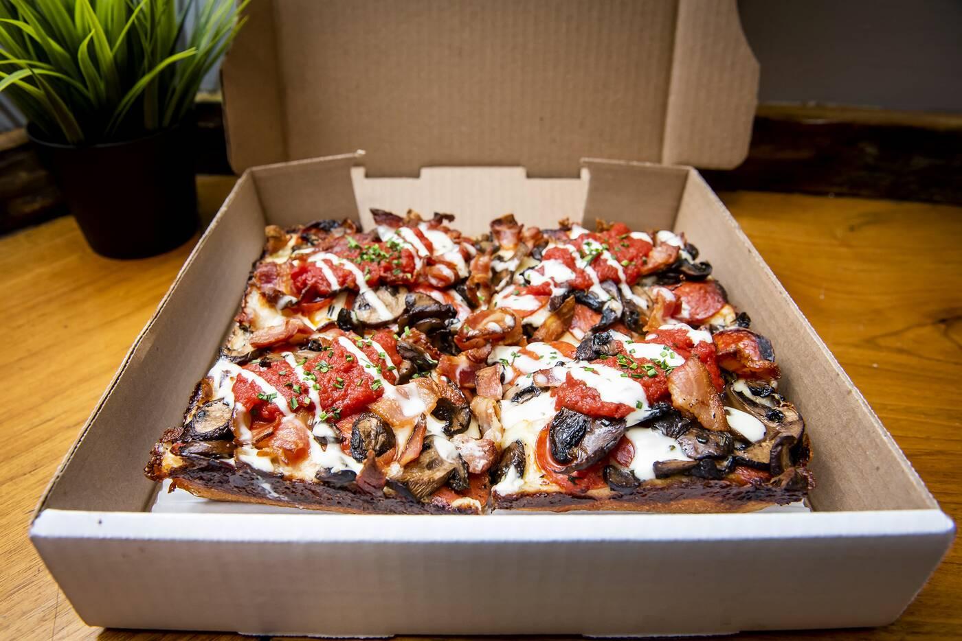 8 Mile Pizza