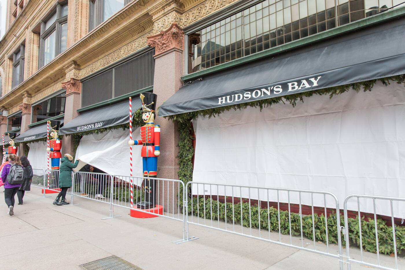 hudson's bay holiday window