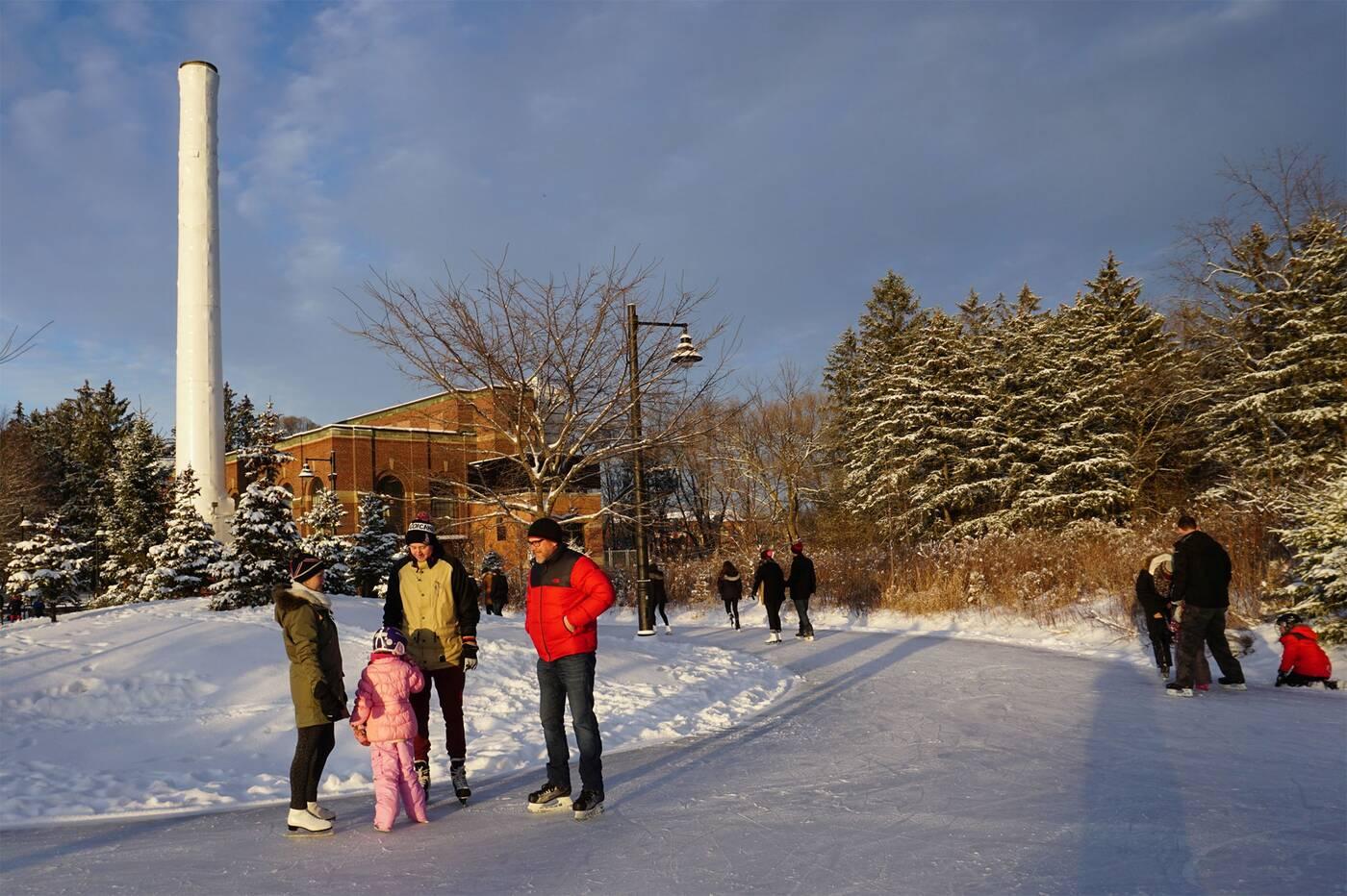 outdoor skating toronto