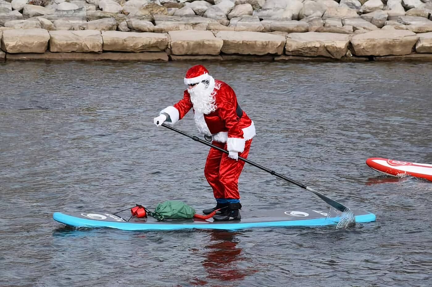 santa paddleboard toronto