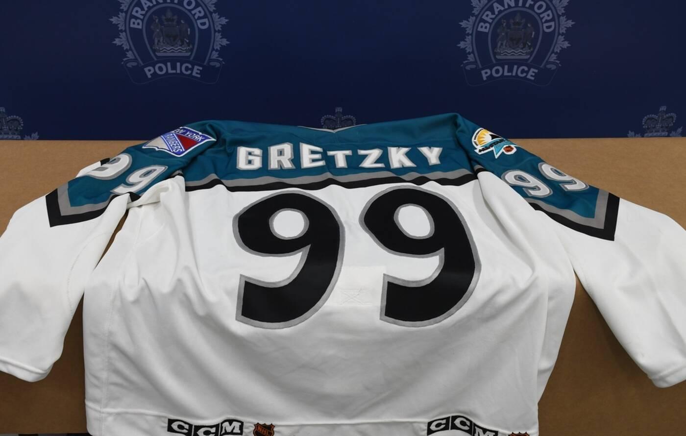 stolen wayne gretzky memorabilia