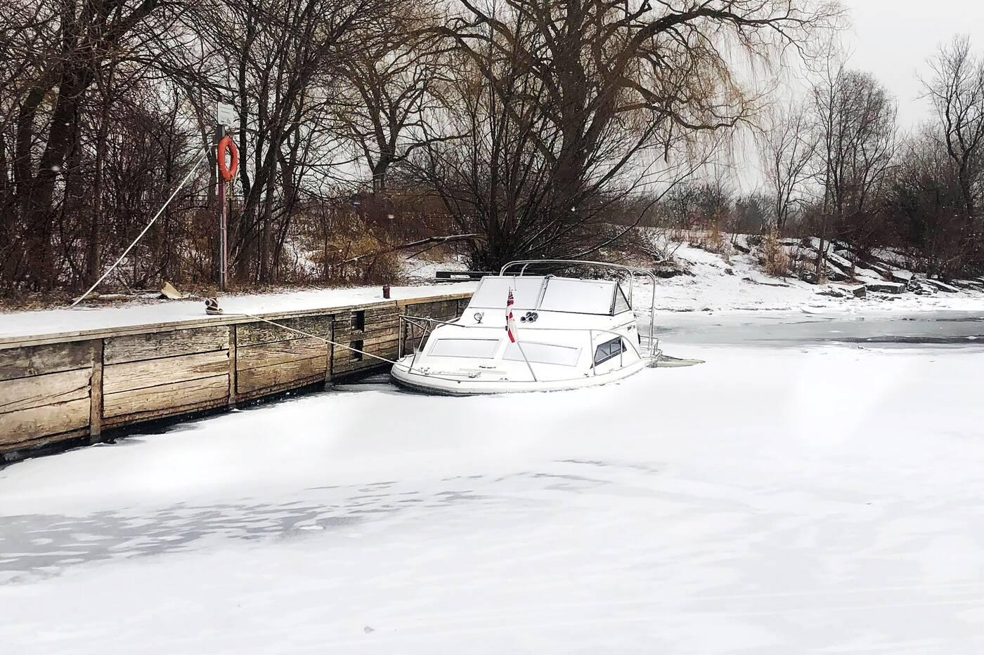 abandoned boats toronto