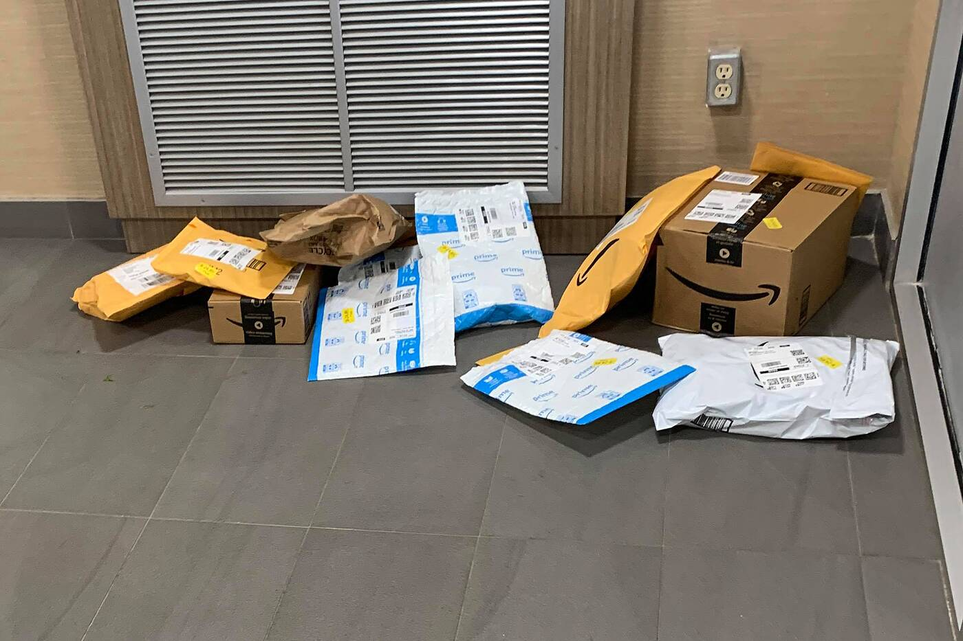 amazon packages toronto