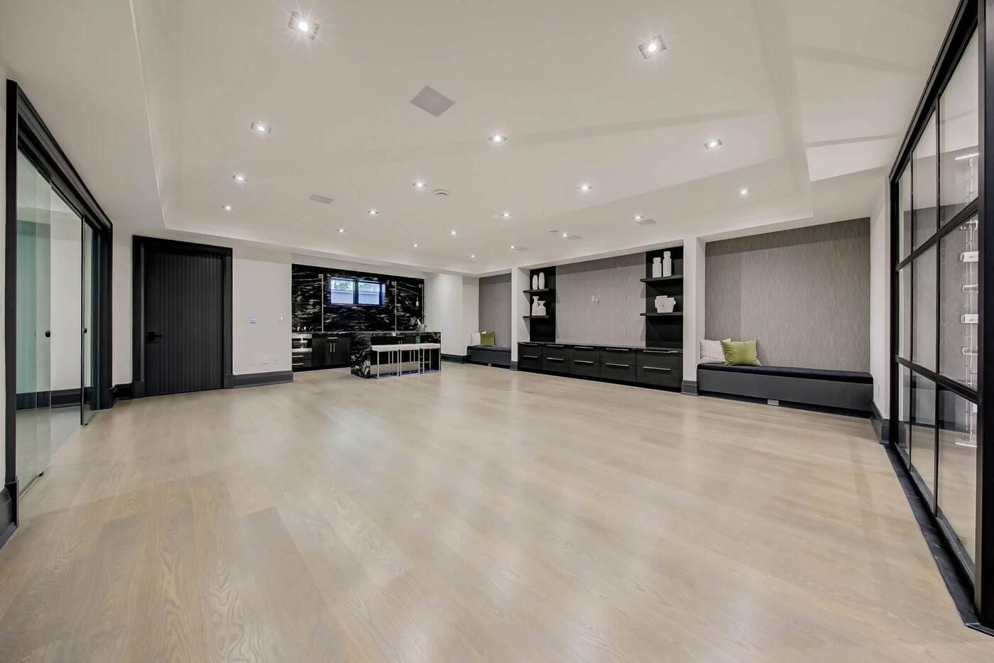 211 Glencairn Avenue Toronto
