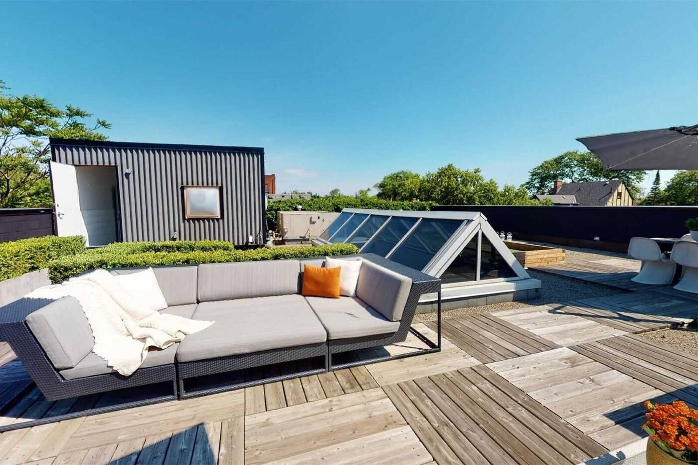 1 Roof Garden Lane Toronto