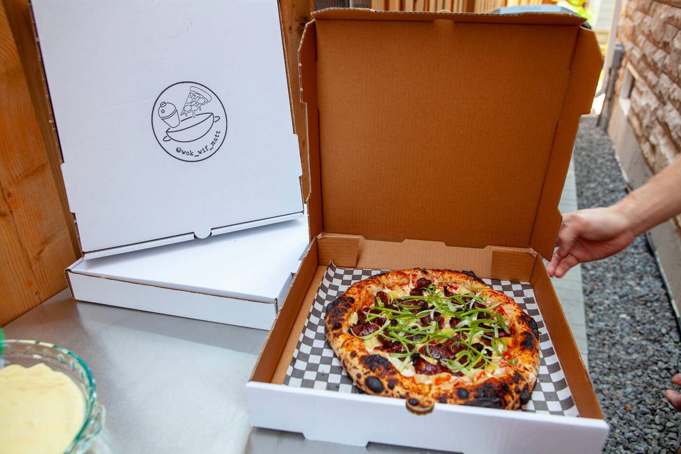 alleyway pizza