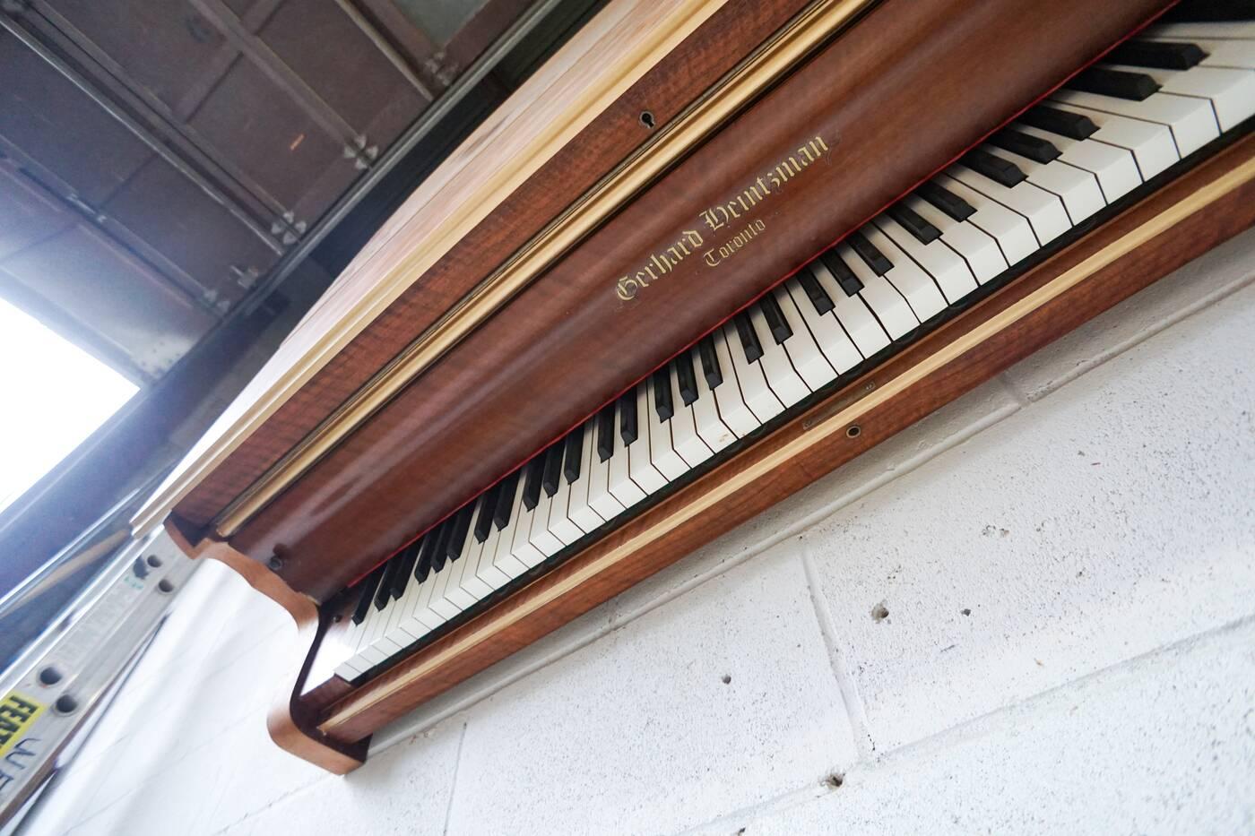 Heintzman piano