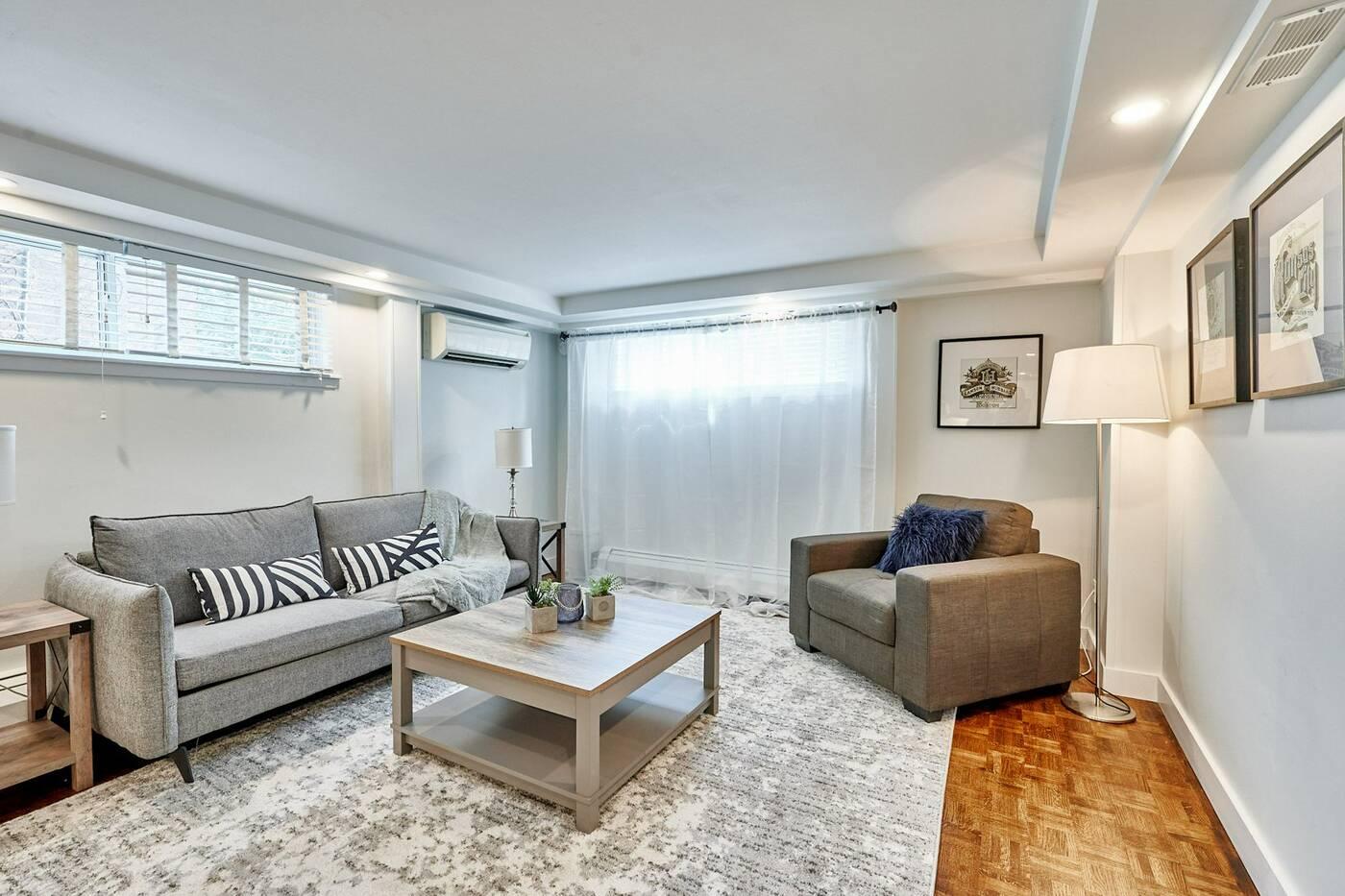 173 Quebec Ave Toronto